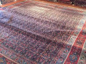 巨大なペルシャ絨毯BIDJAR