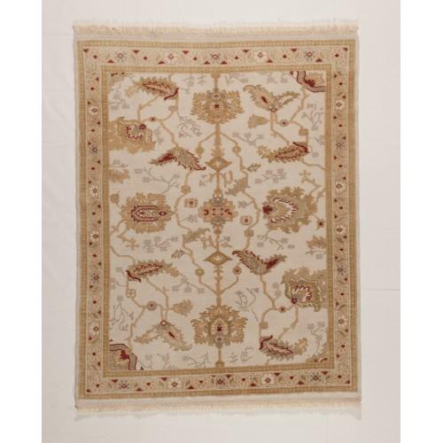 ウシャック絨毯