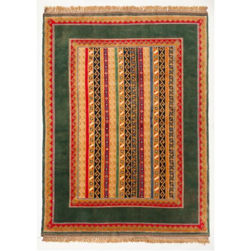 ウシャク ニュー絨毯