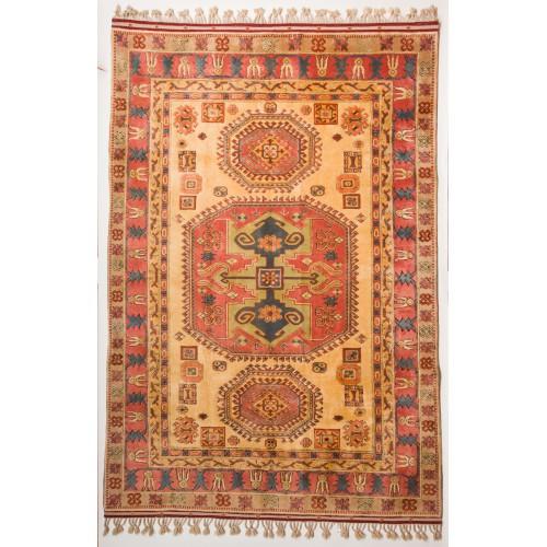 ユルック絨毯